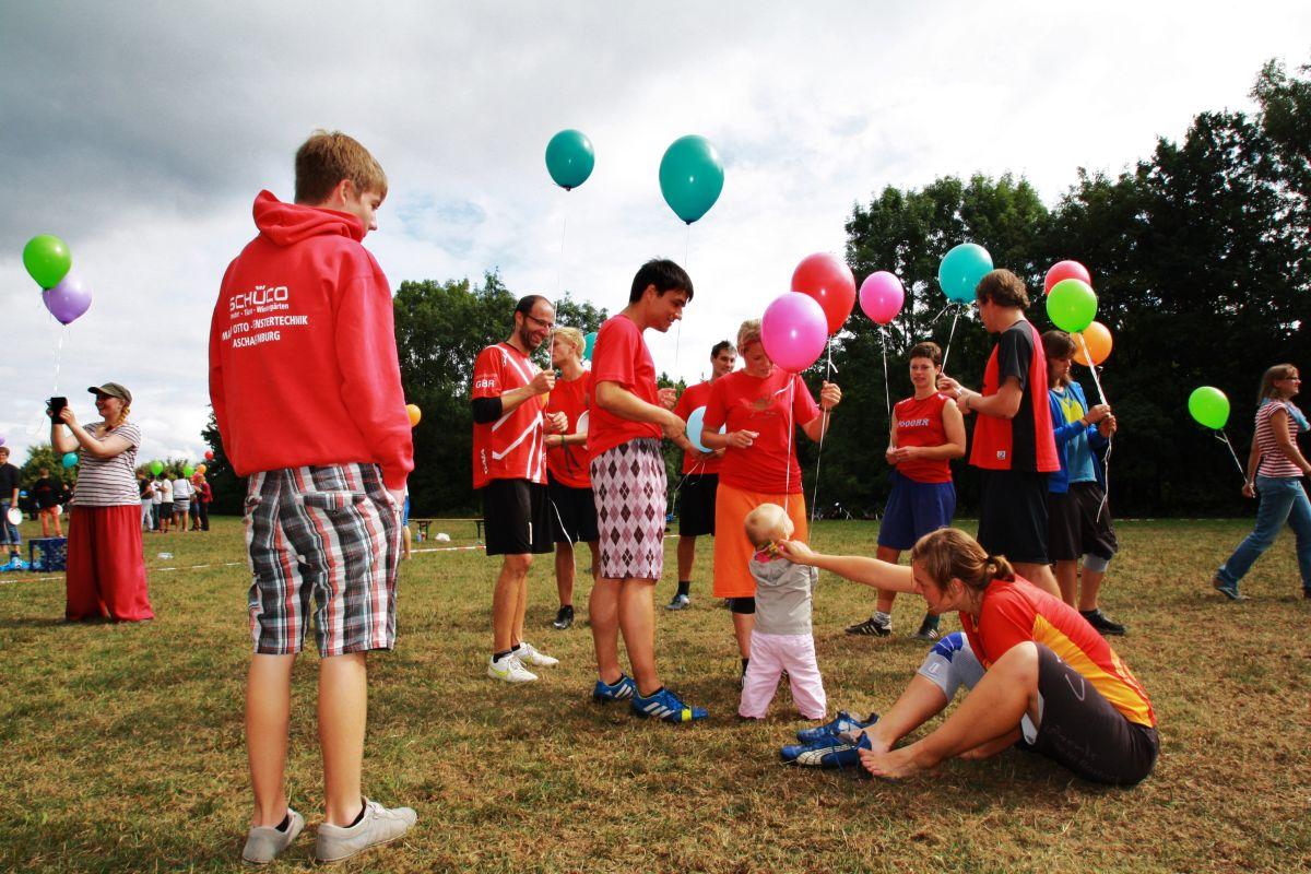 spiritcamp-kurtfeuerringballons002netz_
